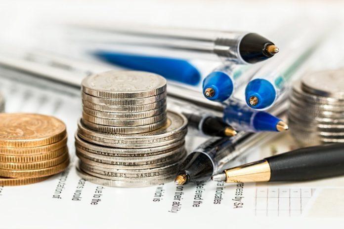 Geld und Stifte